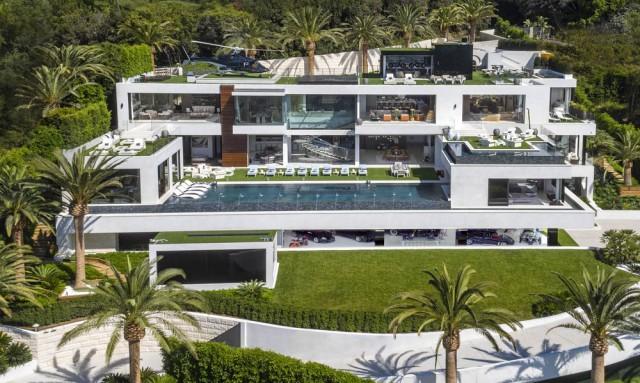 5900f84398a A casa mais cara à venda nos EUA custa 235 milhões e inclui carros de luxo  e helicóptero