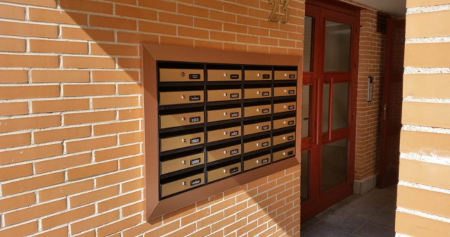 Golden Box Mail