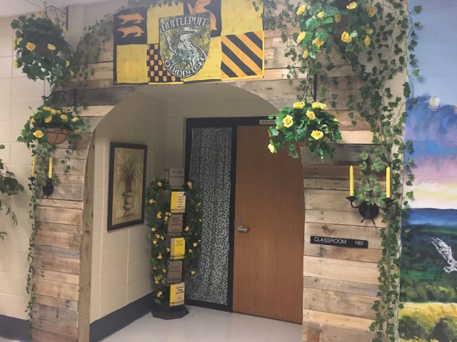A entrada de uma das salas de aula