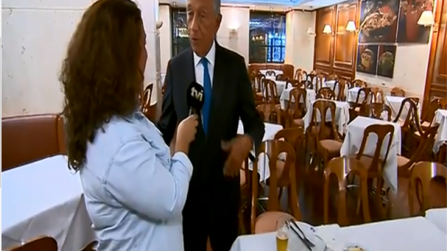 Marcelo com a equipa de reportagem da TVI / TVI