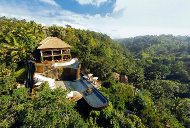 Vista aérea do hotel