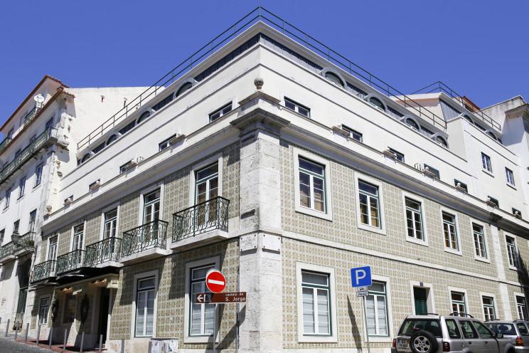 Primeiro projeto: um edifício residencial, perto o Castelo de S. Jorge, no Largo dos Lóios, em Lisboa. / AG Capital