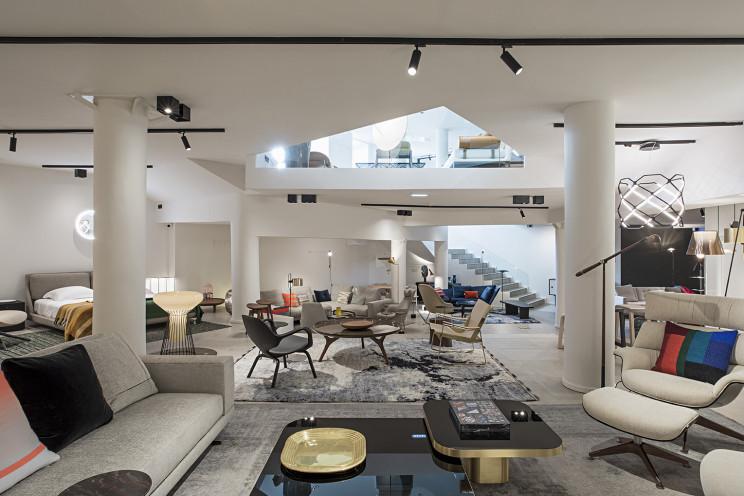 Loja de 500 m2 na Rua do Século, Lisboa, junta criações assinadas por designers de todo o mundo eedições exclusivas. / QuartoSala