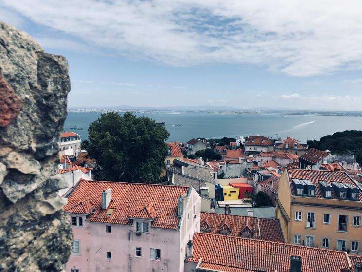 No município de Lisboa o valor das rendas fixou-se nos 11,71 euros por m2 / Photo by Sagar Vadher on Unsplash