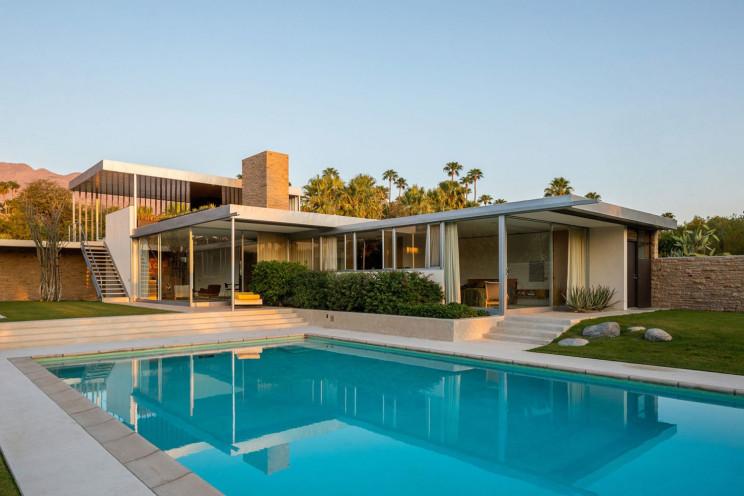 Exterior da mansão / Dan Solomon/Vista Sotheby's International Realty