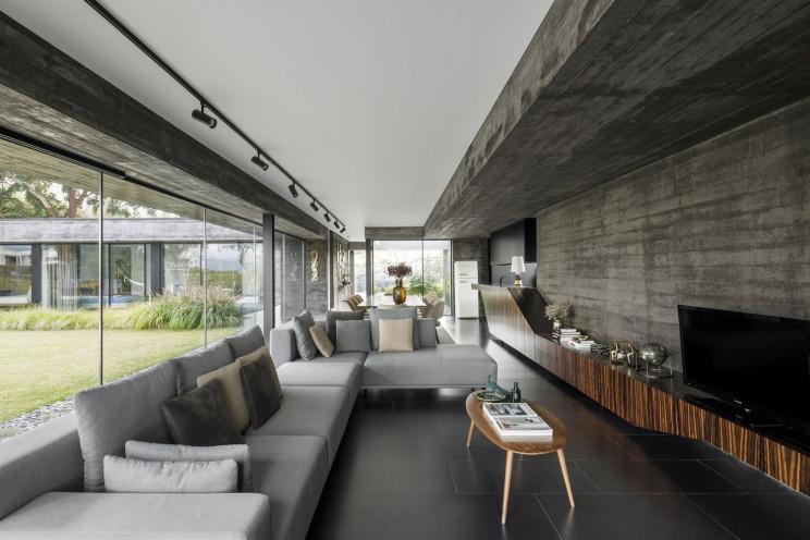 Hugo Pereira Arquitetos / Fotografia: Ivo Tavares Studio