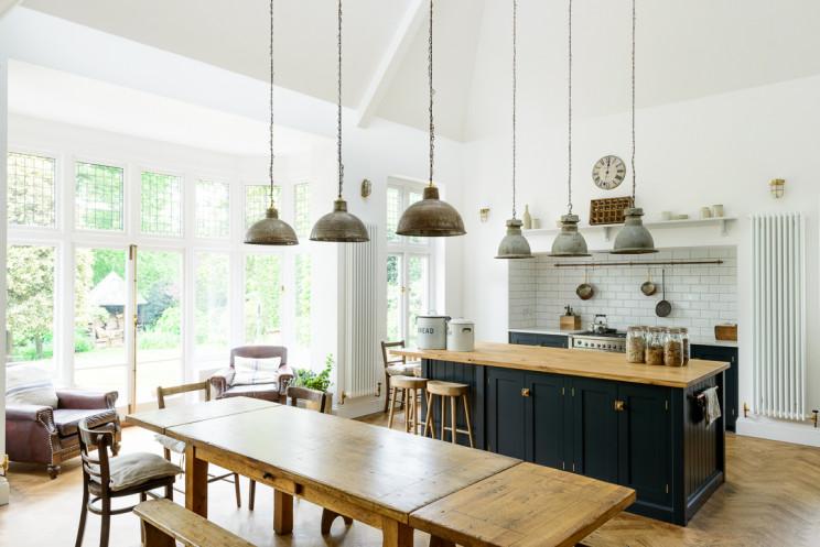 Arts & Crafts Kitchen / deVOL Kitchens